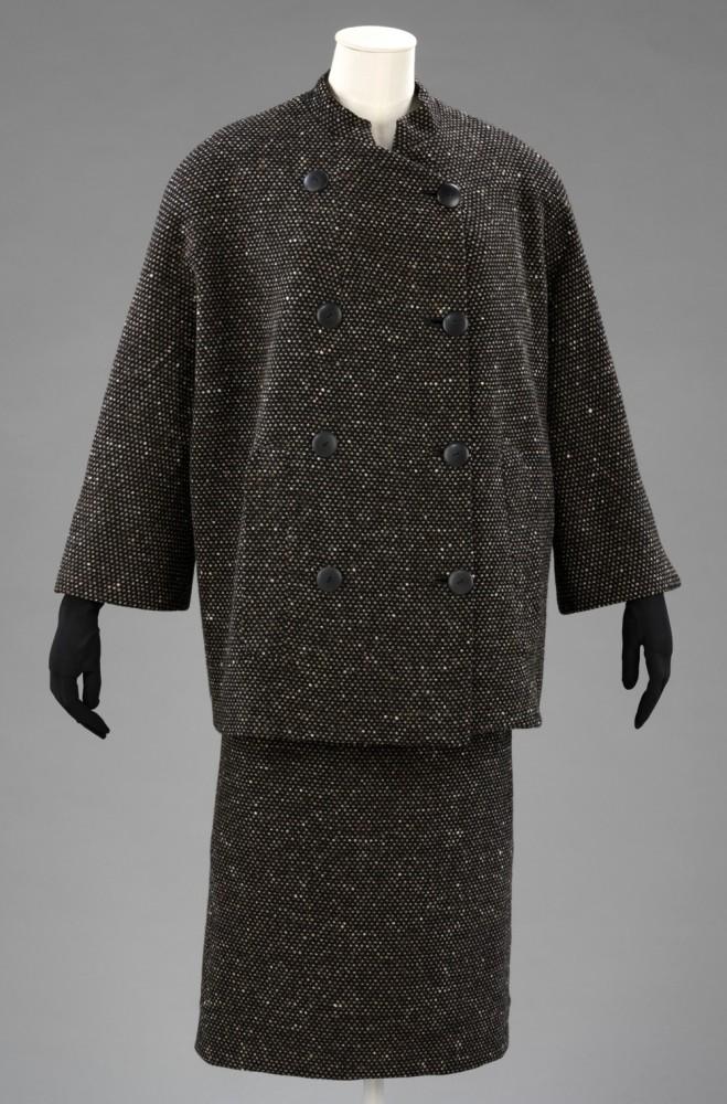 t-128a-1970_skirt_suit_1000px