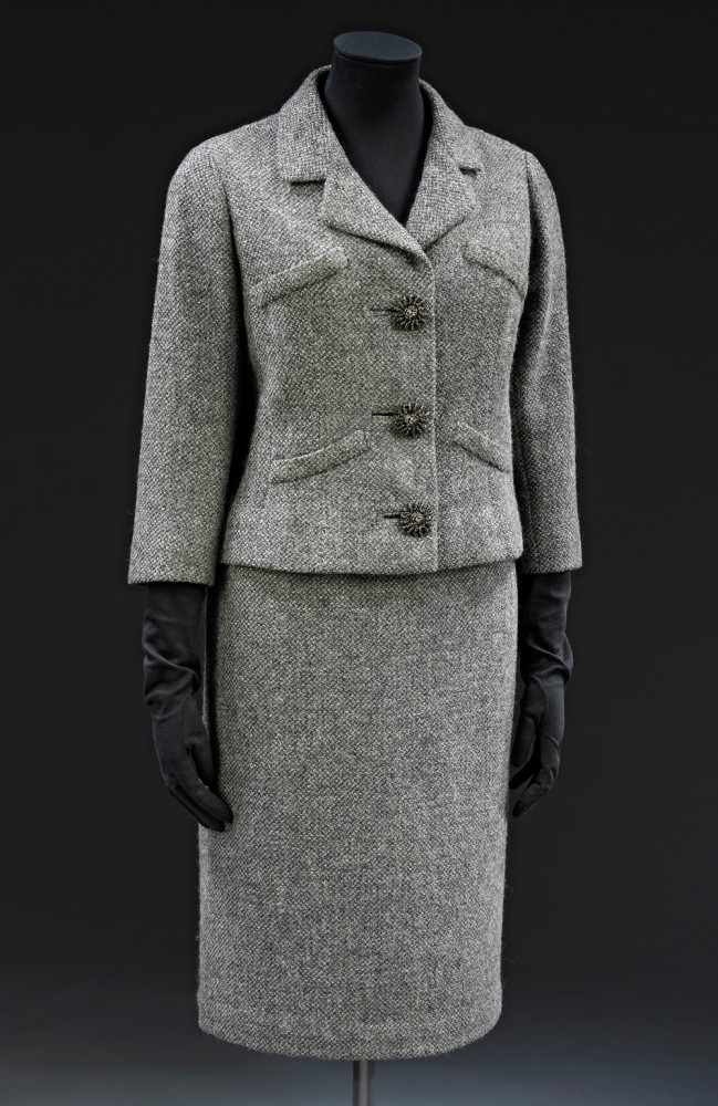 t-7a-1977_jacket_skirt_suit_1000px