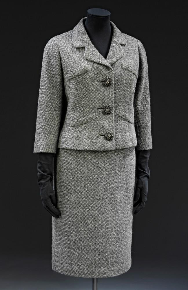 t-7a-1977_jacket_skirt_suit_1000px