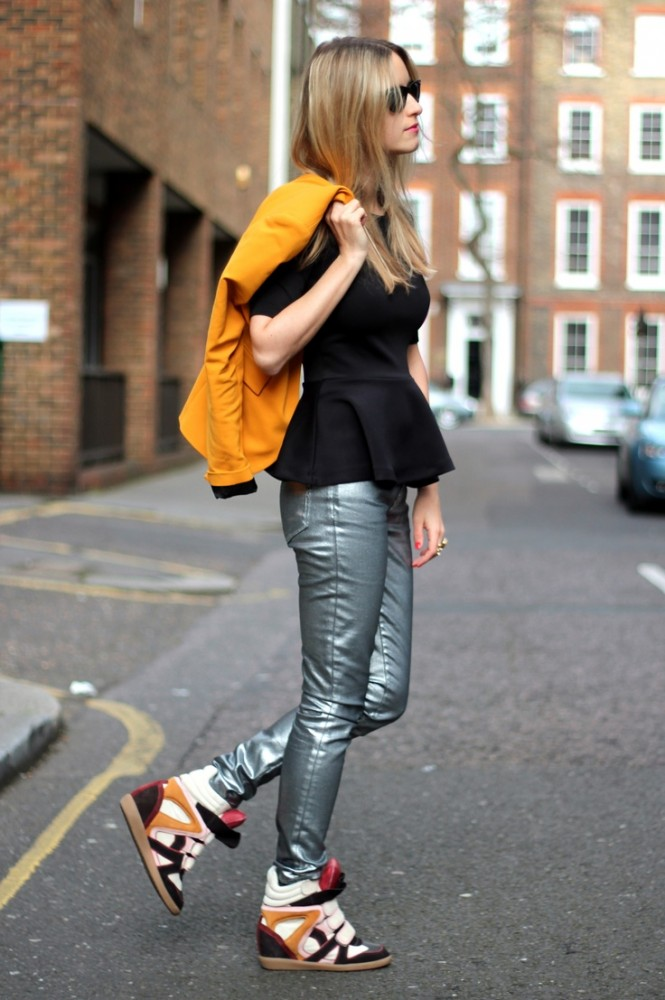 2-metallic-pants-with-wedge-sneakers