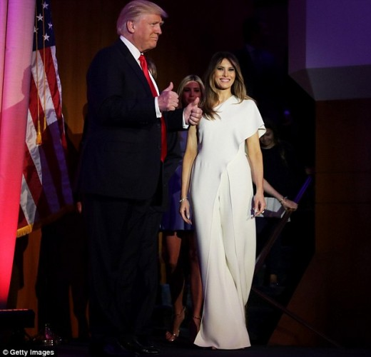 3a32977300000578-3920328-melania_trump_wore_a_4000_ralph_lauren_jumpsuit_to_accompany_her-a-2_1478703960126