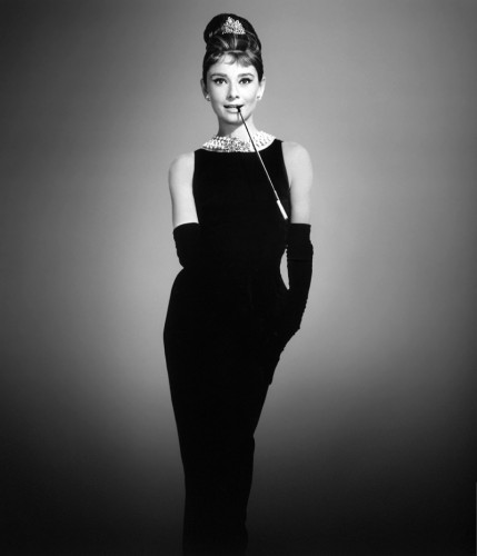 audrey-hepburn-breakfast-tiffanys-black-dress