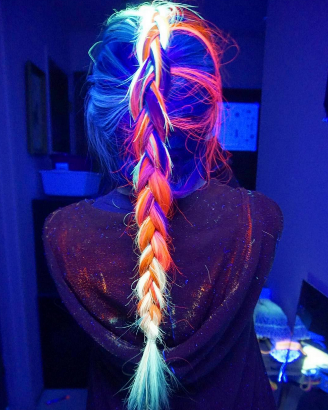 glow-in-the-dark-hair