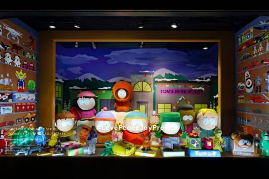 barneys-new-york-madison-holiday-window_trey-parker-and-matt-stone-of-comedy-centrals-south-park_1500_1000_70_c1-e1481056219924