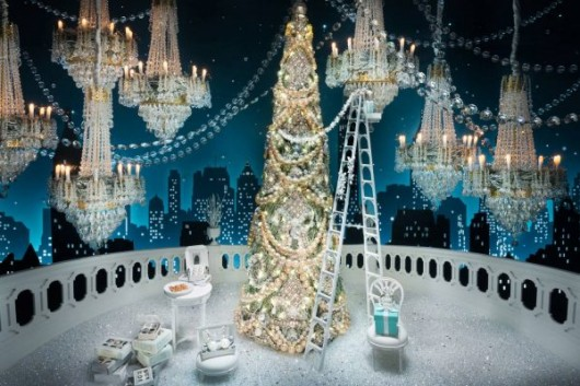 tiffanys_rzehavi_holiday_windows_tiffany_2016-2-of-15_1500_1000_70_c1-e1481056172713