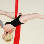 Telas acrobáticas, una forma estética de hacer fitness