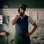 Adrien Brody protagoniza el cortometraje de navidad para H&M