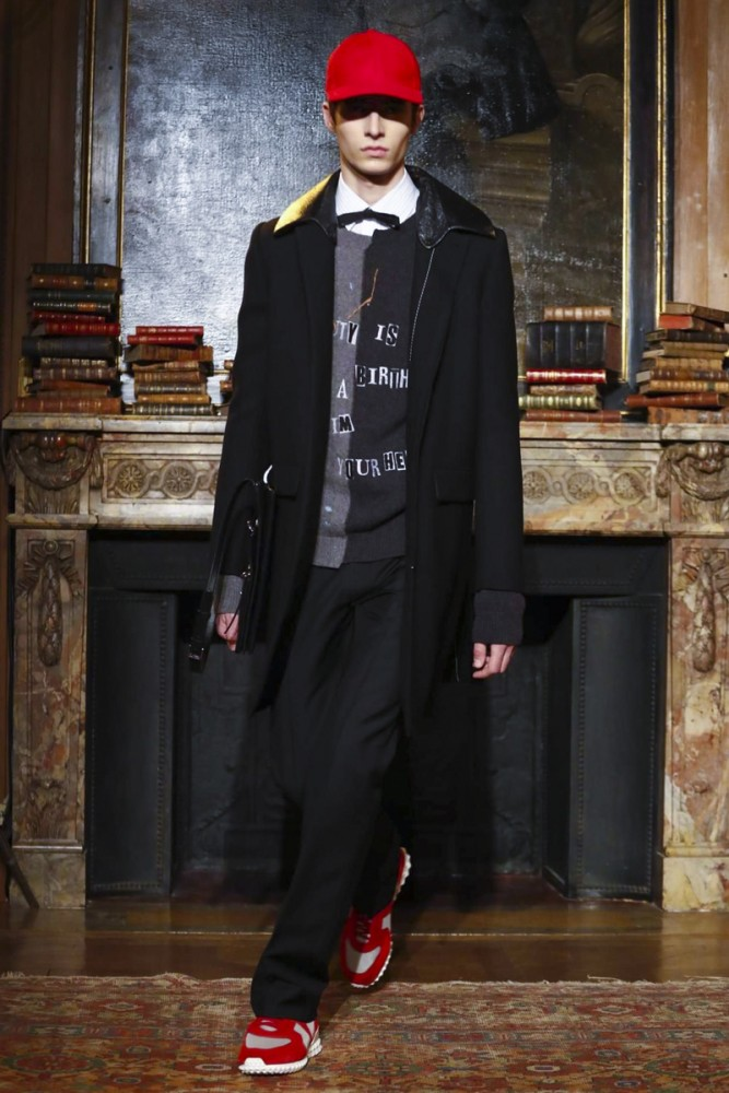 Valentino, Fashion Show, Menswear Collection Fall Winter 2017 in Paris