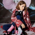 Iris Law, la nueva cara de Burberry Beauty