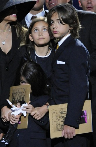 paris jackson y hermanos 2