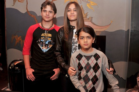 paris jackson y hermanos