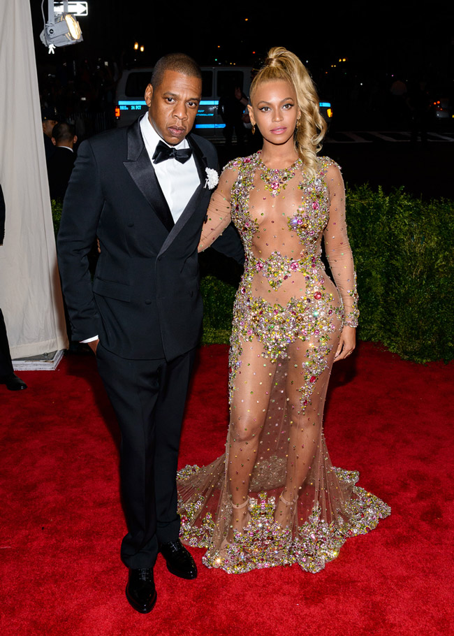 Beyonce-Sheer-Crystal-Givenchy-Met-Gala-2015-Look