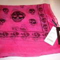 skull-scarf-hot-pink-with-black-skulls-silk-mcqueen-5f175.jpg (296 KB)